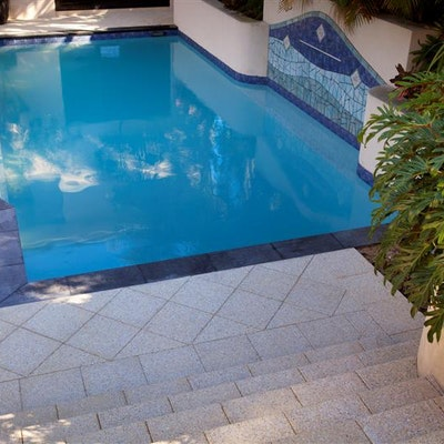 Ice Quartz Paver & Black Granite Polished Squarenose