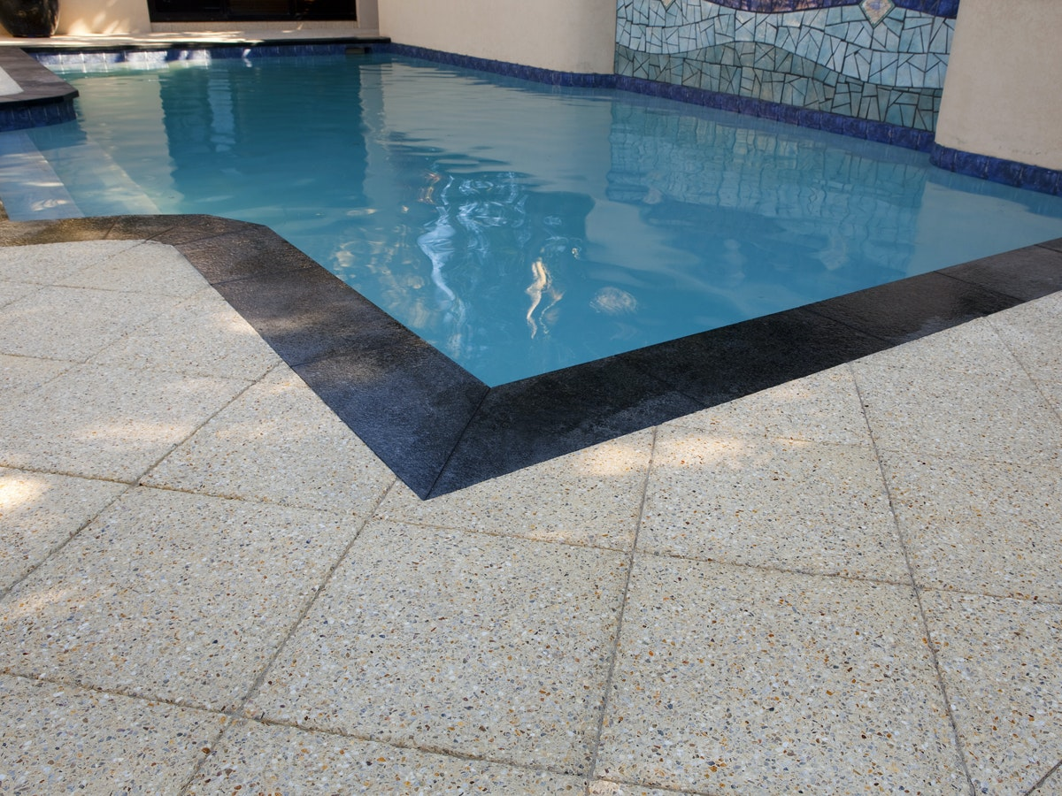 Ice Quartz, Black Granite Pavers