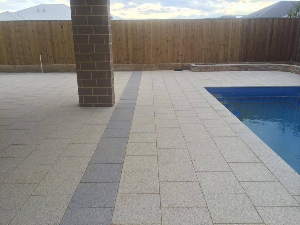 Ice & Greystone Quartz Pavers