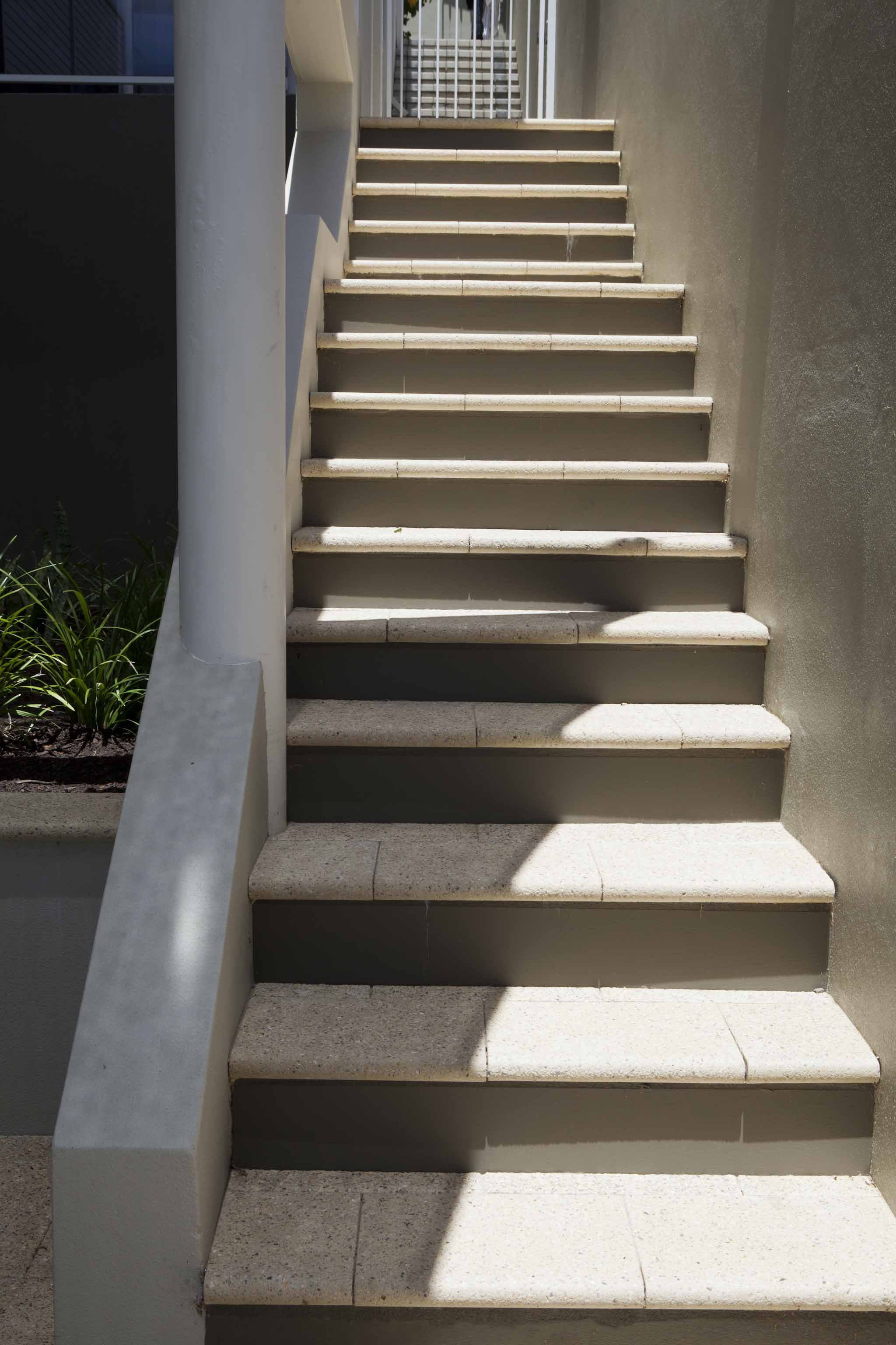 Ice Quartz Bullnose Pavers