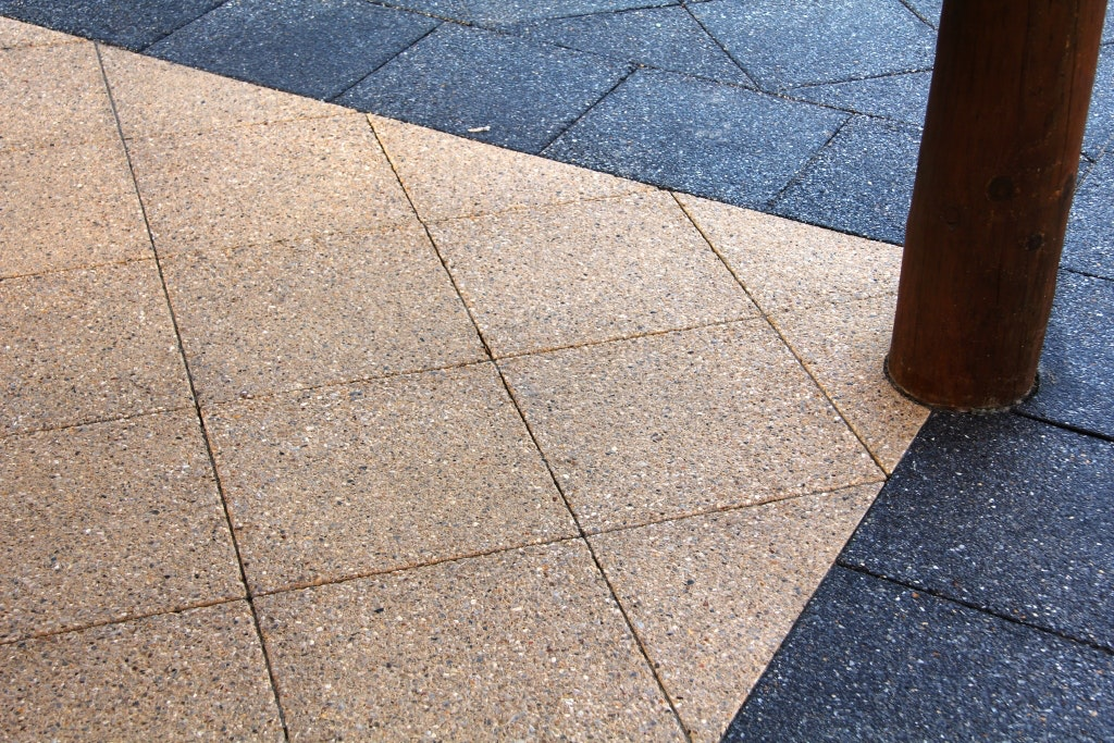Sandstone Quartz and Charcoal Quartz Pavers