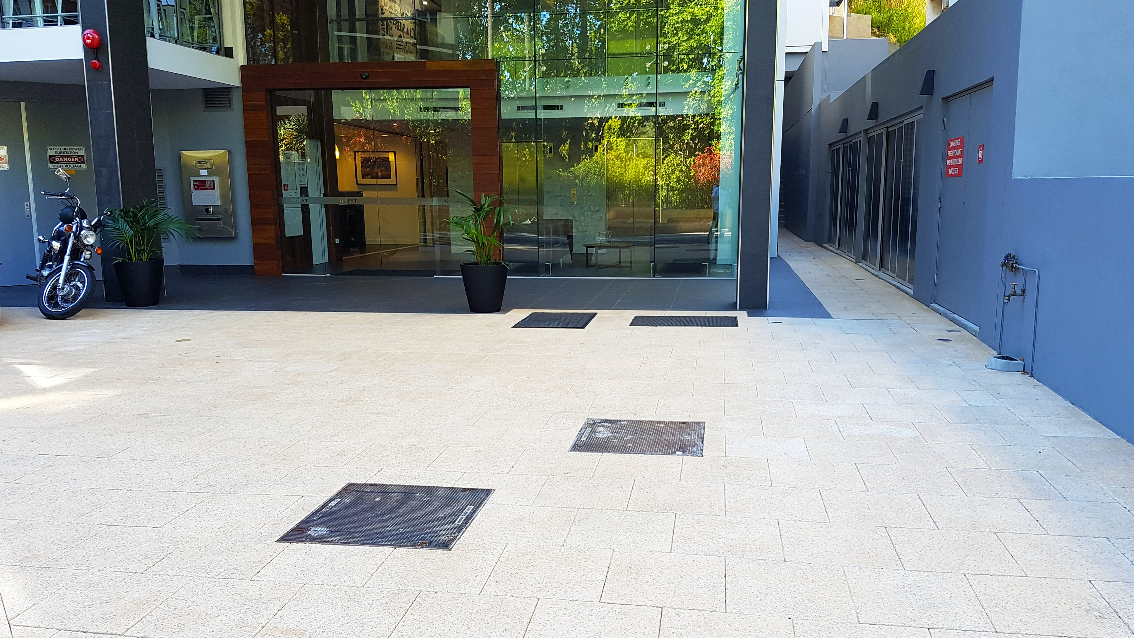 Quest Mounts Bay Road - Sandstone Quartz Exposed Aggregate Pavers