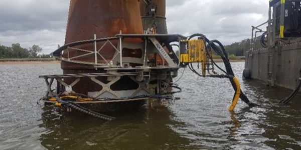 Marine Growth & Corrosion Removal - Structural Bridge Piles