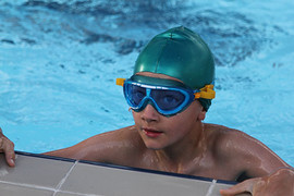 boy-in-pool-mg_8456.jpg