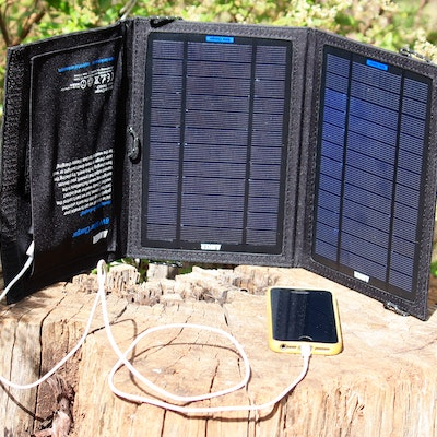 Light weight solar charger