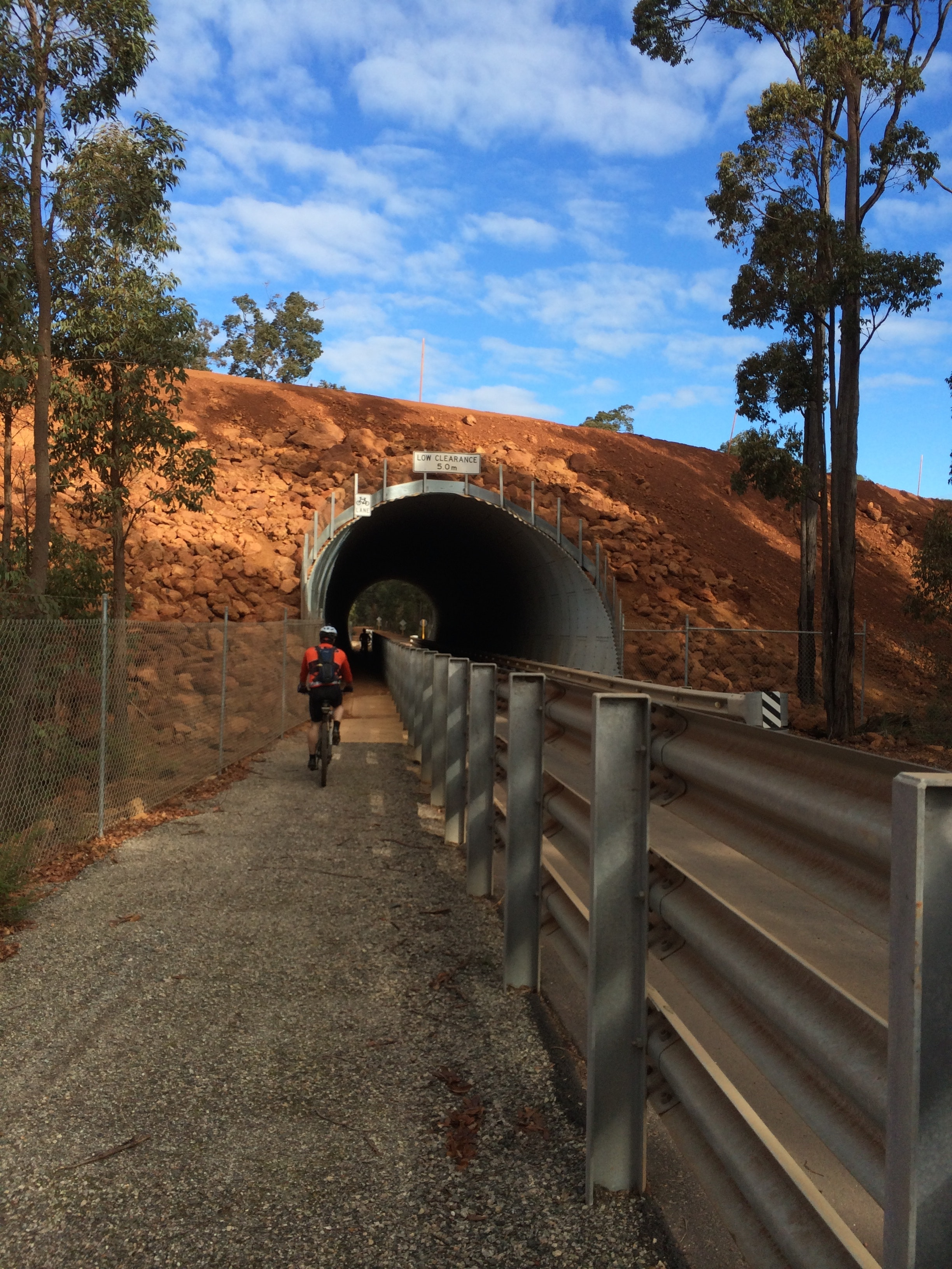 Cycle tunnel under haul road