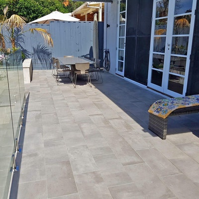 Amsterdam and Santorini Deuropave Backyard Pavers
