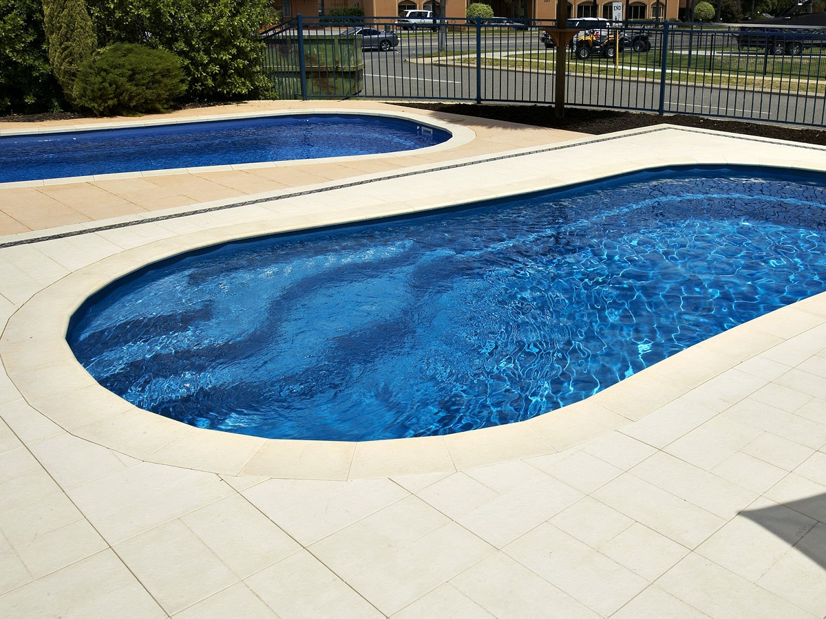 Sandstone Ridge Pool Paving
