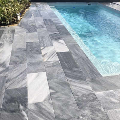 Stormstone Pavers and Overhanging Lip