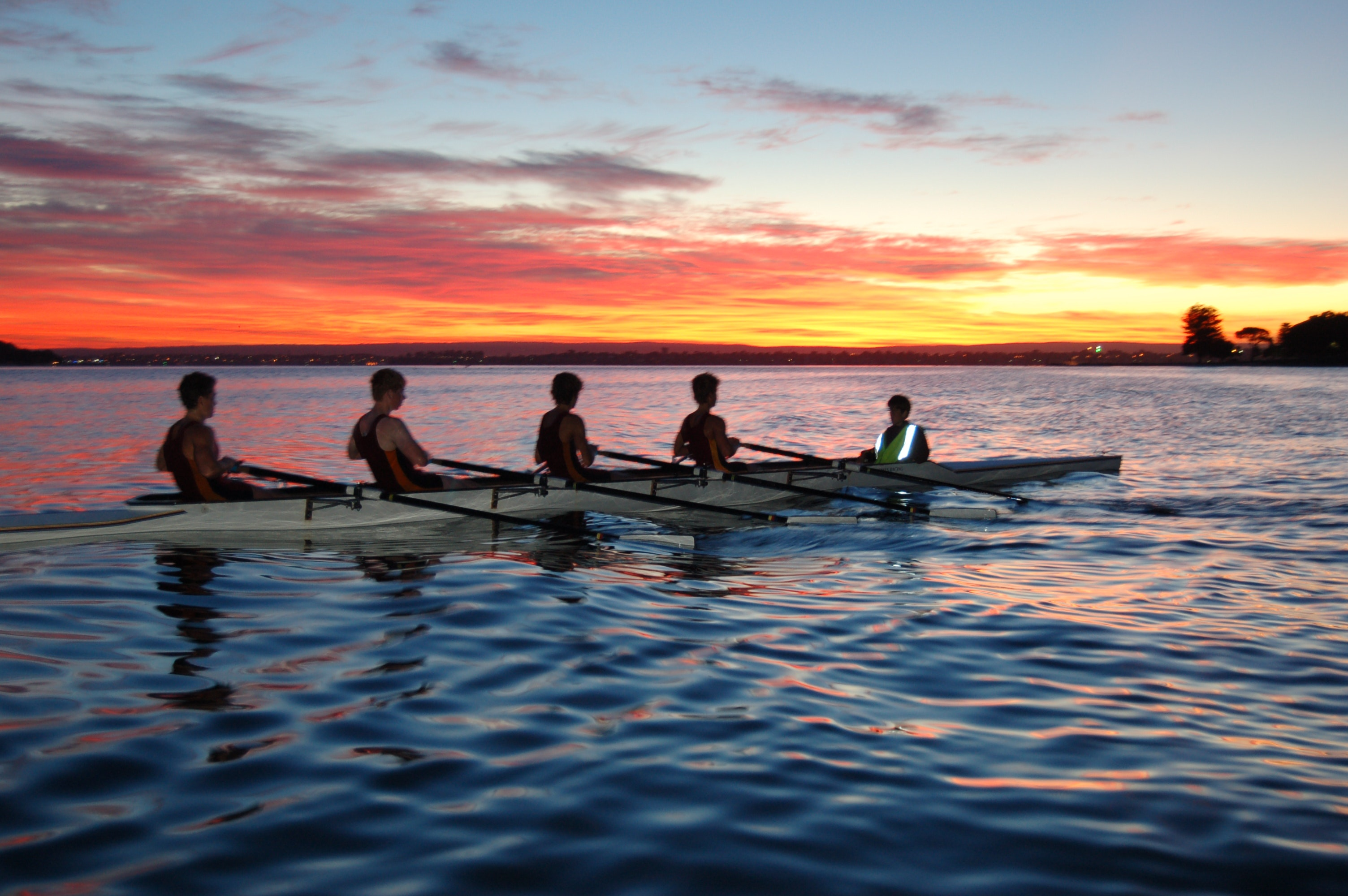 Early morning rowing on the Swan River