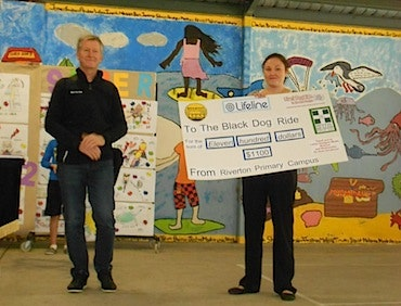 Local school learns about the black dog - Steve Andrews at Riverton Primary Campus